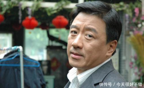 配火|他儿子是导演,与妻子低调恩爱32年,57岁为胡歌做配火遍全国!